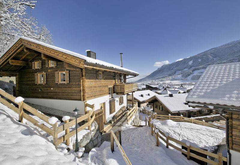 GrünerStein-Chalet Nadelbaum - Wildkogel Arena - Kitzbühler Alpen ...
