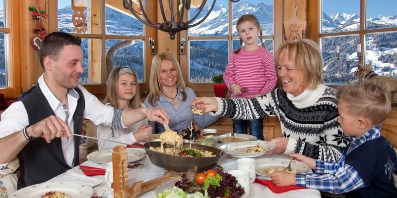 Pinzgauer eten familie Oostenrijk